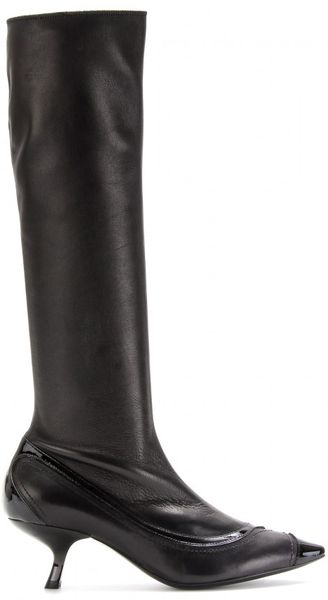 bottega veneta kitten heel leather boots in black nero