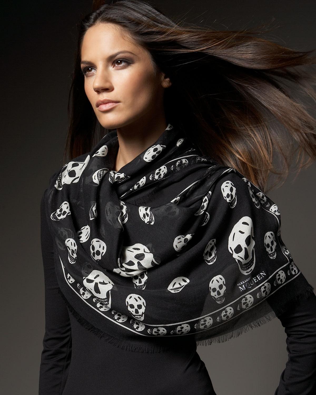Lyst - Alexander Mcqueen Classic Pashmina Skull Scarf in Black