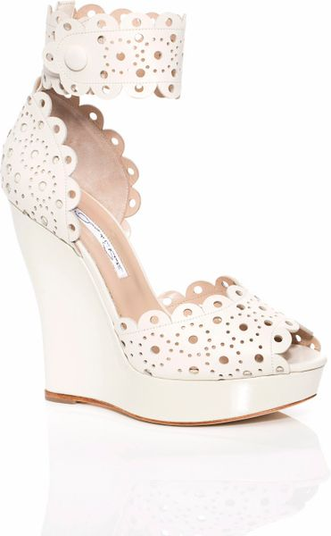 Oscar De La Renta Ss Harriet Wedge in Beige (ivory) - Lyst