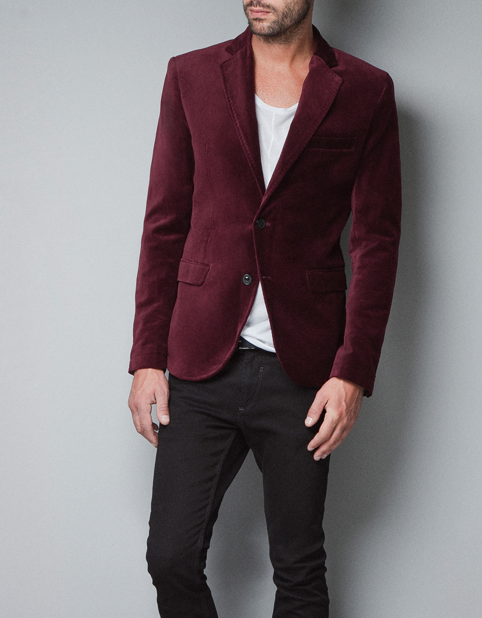 A men's blazer is a mix of a sports jacket and suit jacket and does not include matching dress pants. Try a casual look with our Tech System Blazer, or dress it up with our Slim Cotton Sateen Blue Suit Jacket.