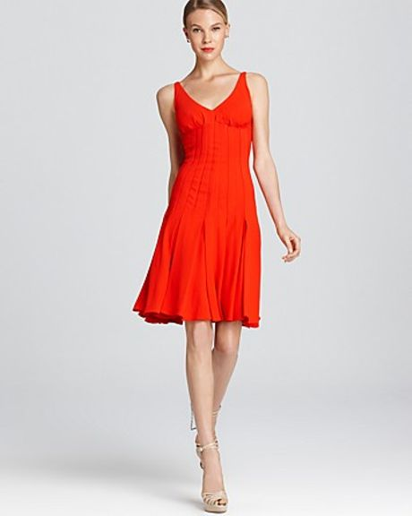 Zac Posen Crepe Dress V Neck Pleated in Red (tokyo red) - Lyst