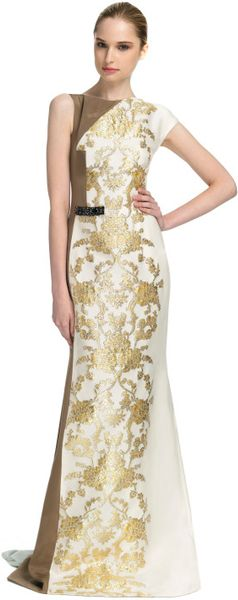 Carolina Herrera Ss Baroque Lamé Jacquard Gown with Silk Faille Paneling in White (gold/ivory) - Lyst