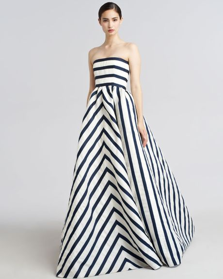 Oscar De La Renta Strapless Striped Gazar Gown in Blue (navy ivory) - Lyst