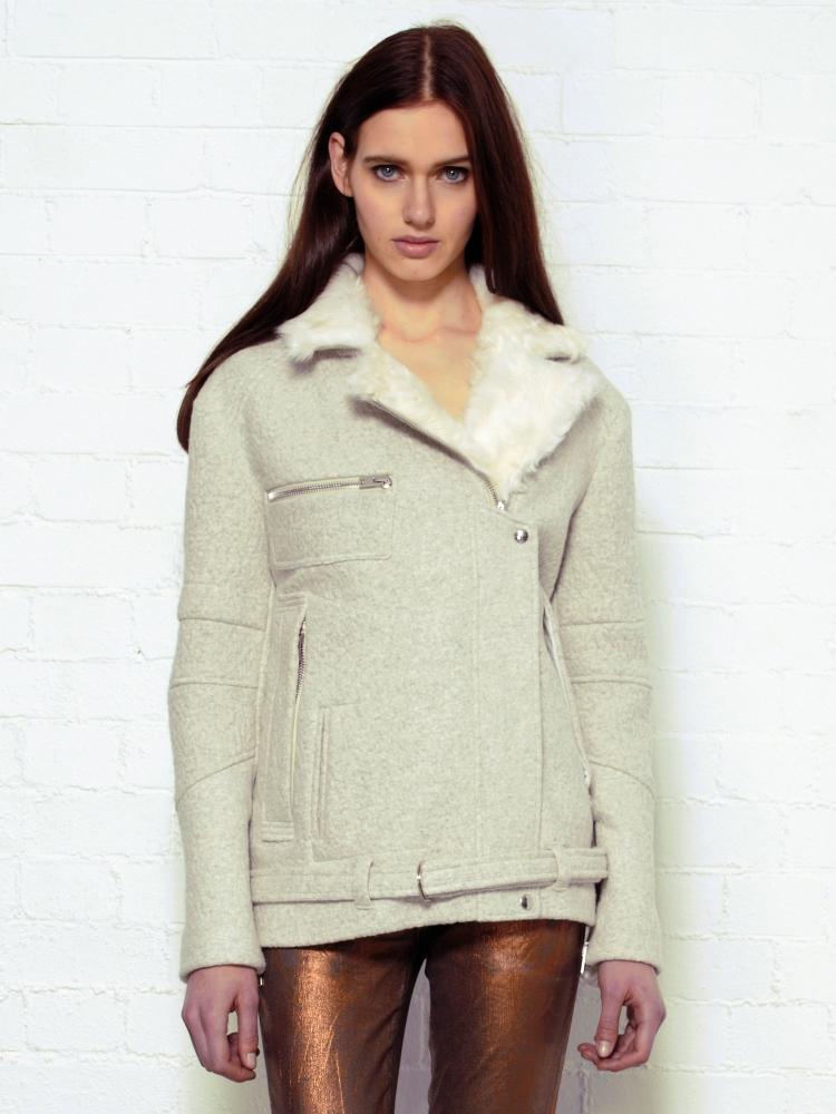 View Fullscreen Iro Fur