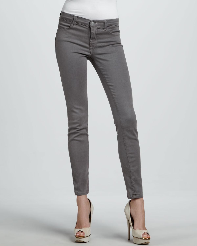 J brand 620 Warm Gray Midrise Super Skinny Jeans in Gray | Lyst