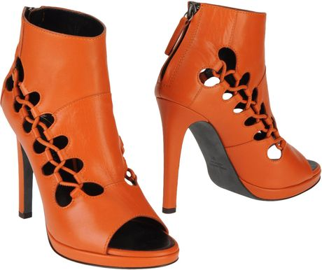 Giuseppe Zanotti X Christopher Kane Ankle Boots in Brown (orange) - Lyst