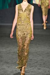 Vera Wang Ss Embroidered Lace Gown in Gold - Lyst