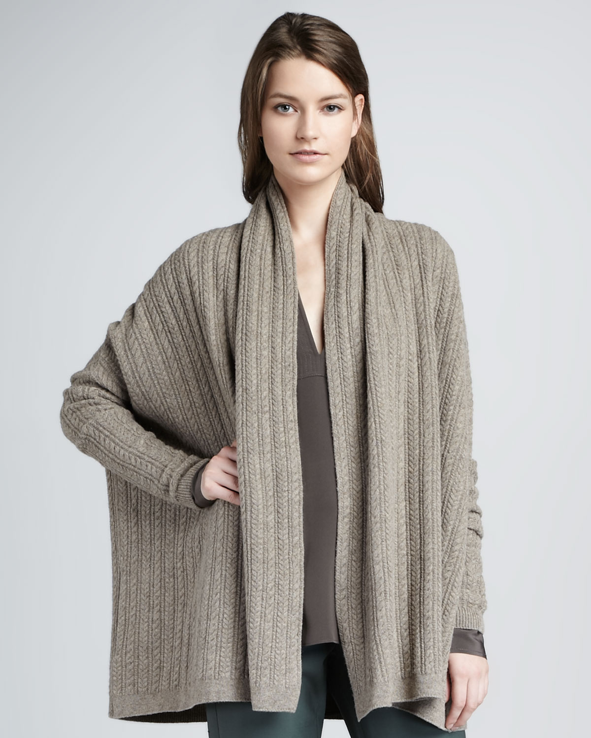 Vince Loose Cableknit Cardigan in Gray | Lyst