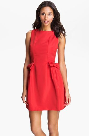 Taylor Dresses Bow Detail Woven Shift Dress - Lyst