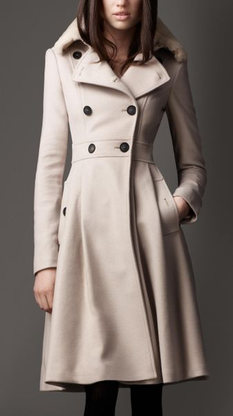 Burberry Fur Collar Full Skirt Coat in Beige (trench) - Lyst