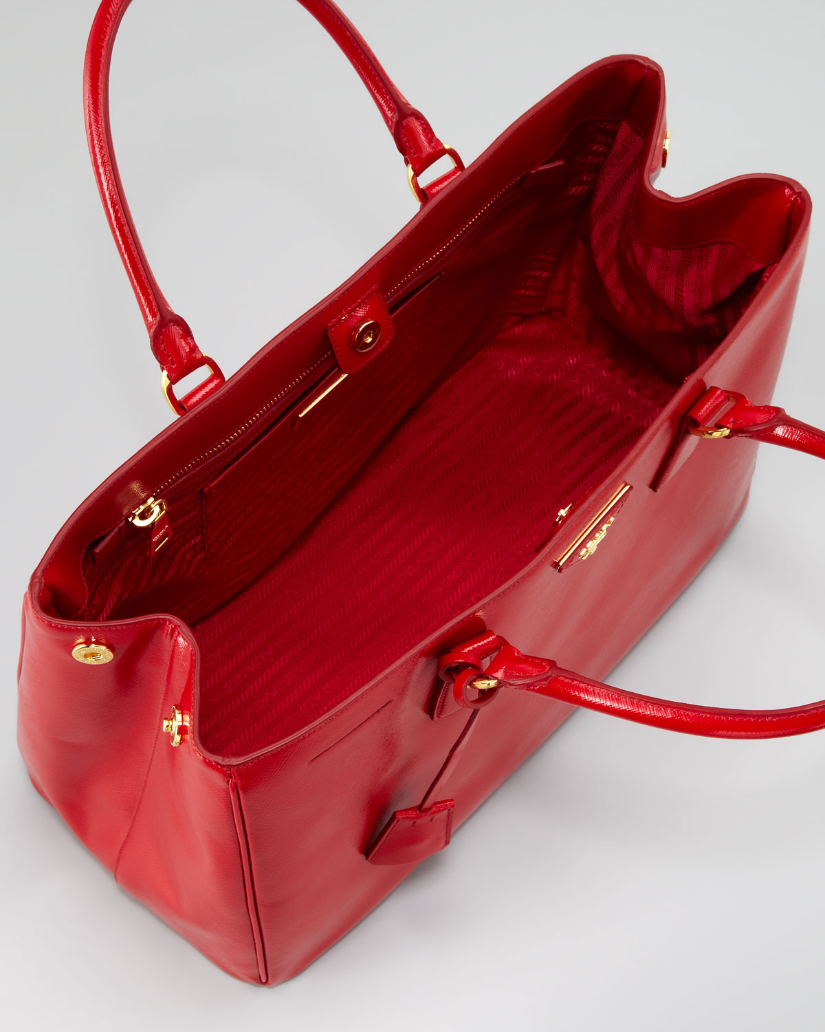 d5878d0477b3 coupon for prada saffiano vernice gardeners tote bag rosso in red lyst  93b54 69ecb