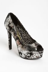 Jessica Simpson Carri Pump in Black (graffiti) - Lyst