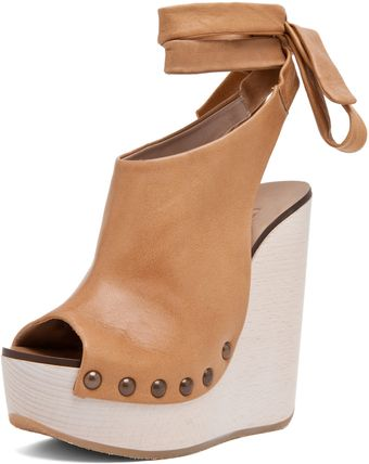 Chloé Wrap Around Wedge in Tan - Lyst