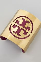 Tory Burch Leather Stencil Logo Cuff Fuchsia - Lyst