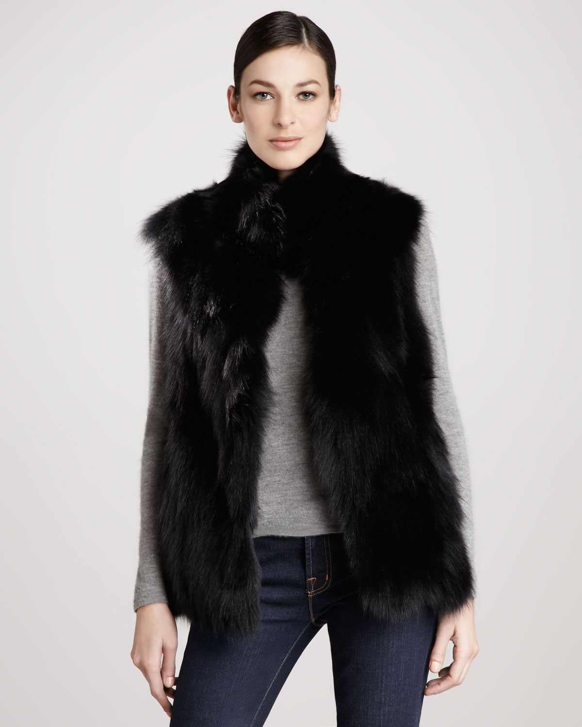 ML Furs has the best selection of chic fur coats and outerwear. Shop qrqceh.tk today, we are the leading source of fur items including vests, jackets and more.