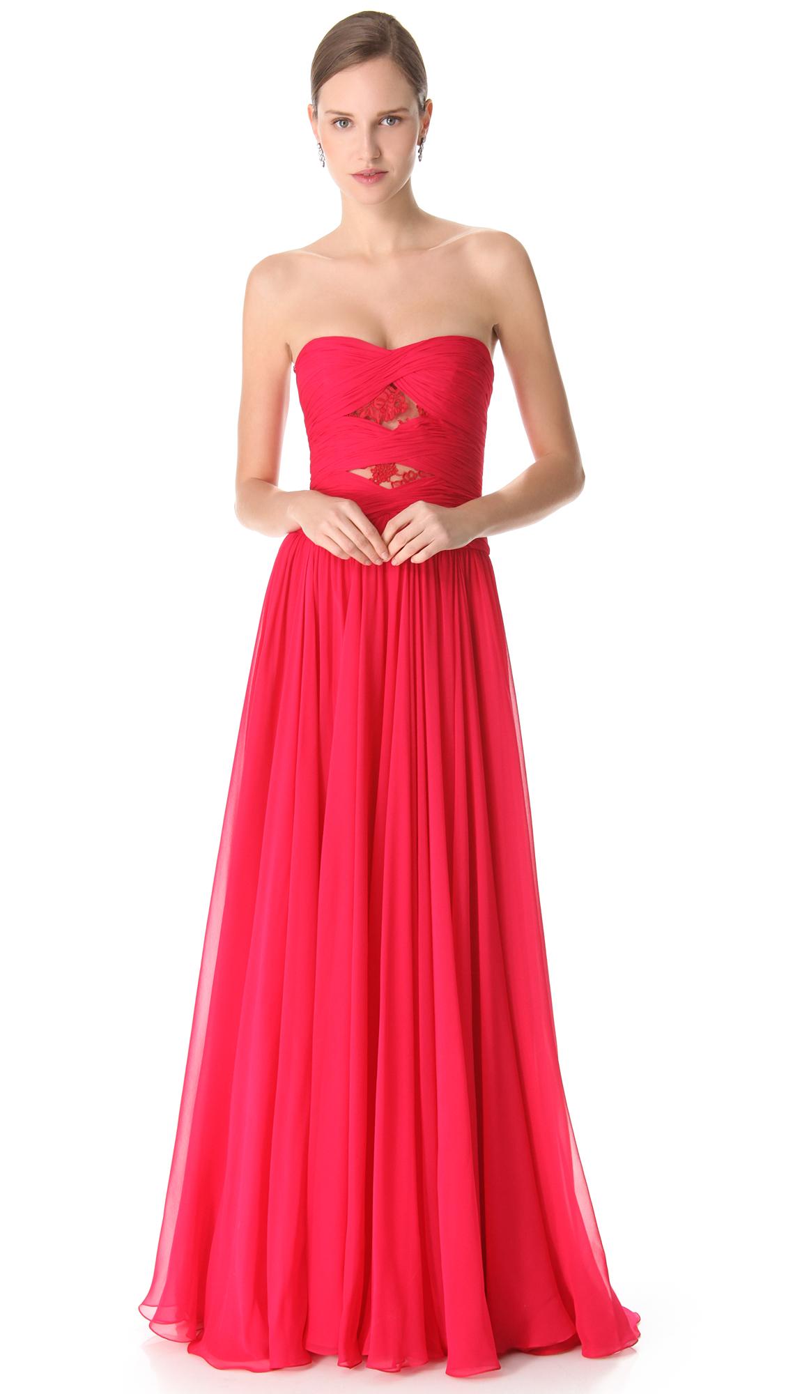 Платье с лямочкой и прическа