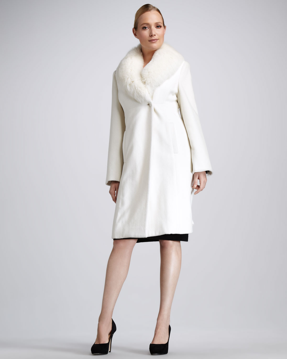 Sofia cashmere Fur collar Felt Coat in White | Lyst