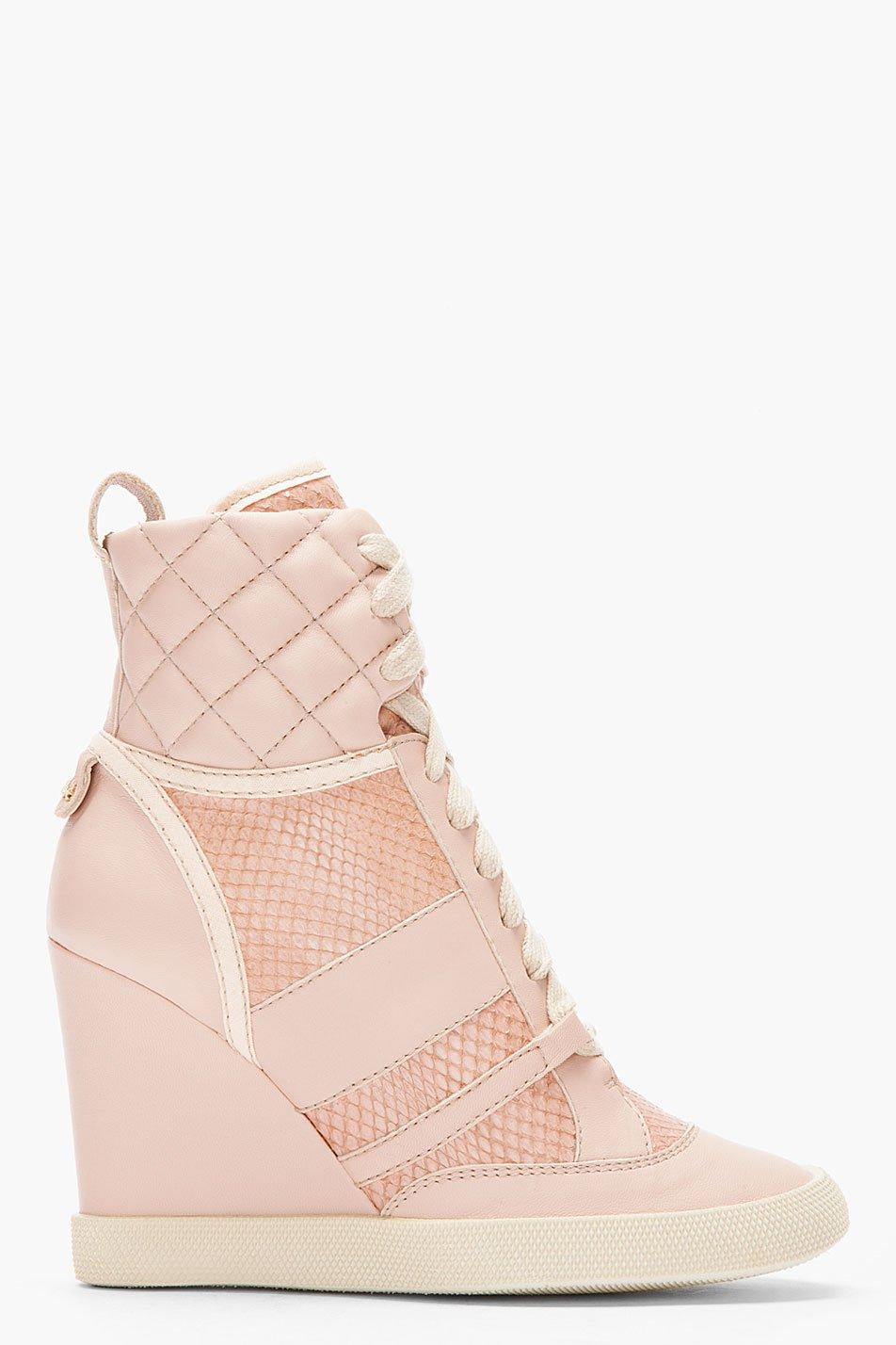 lyst chlo233 pink snakeskin wedge sneakers in pink