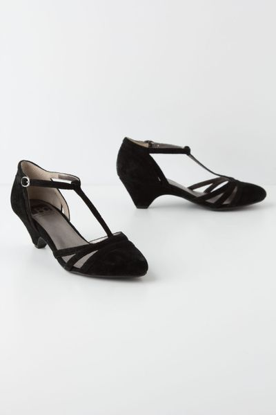 black sandals strappy black sandals kitten heel