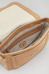 Tory Burch Pebbled Messenger Bag - Lyst