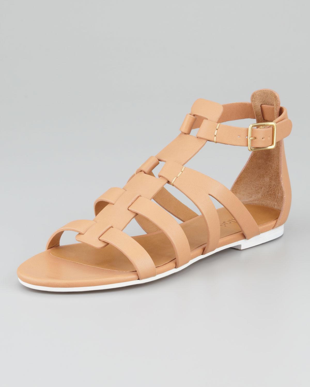 Chlo 233 Groove Tstrap Flat Gladiator Sandal In Beige Pink