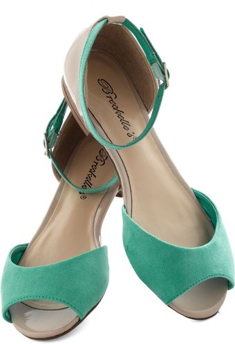 ModCloth Boardwalk Brunch Flat in Ice - Lyst