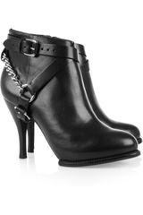 McQ by Alexander McQueen Chain Trimmed Leather Ankle Boots - Lyst