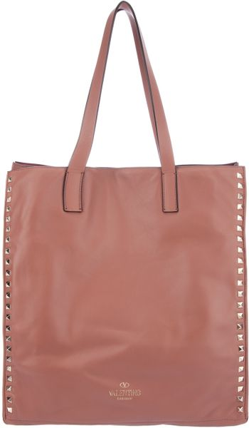 Valentino Rockstud Tote in Pink (rose)