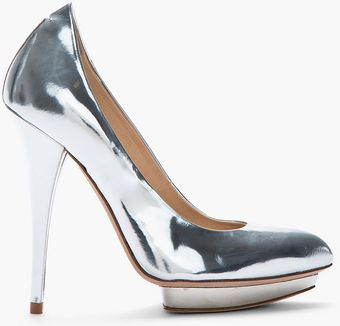 McQ by Alexander McQueen Metallic Silver Leather Pumps - Lyst