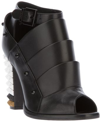 Fendi Runway Structured Boot - Lyst