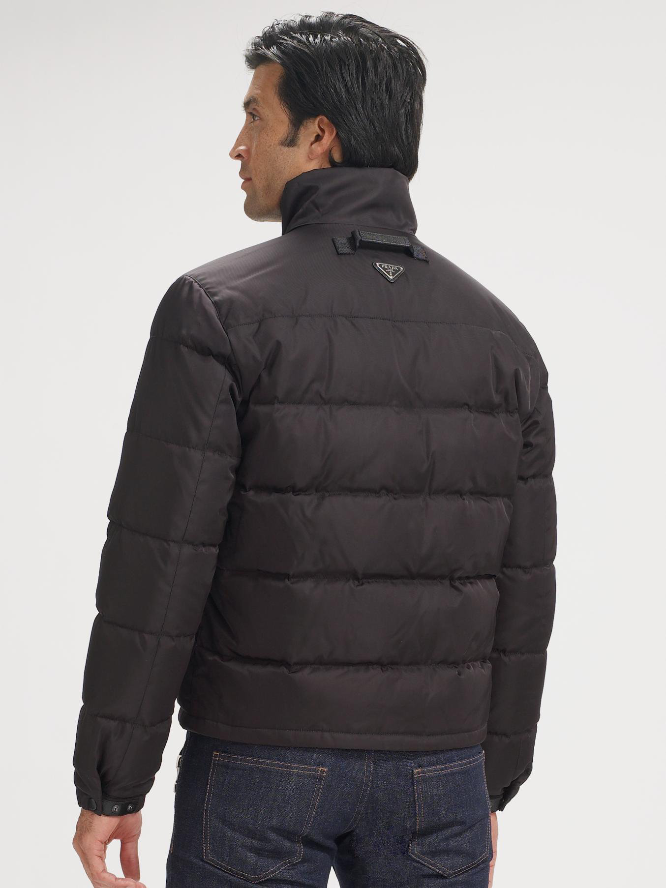 Shop for men's The North Face jackets and coats designed with the athlete in mind combining style, comfort and performance like never before.