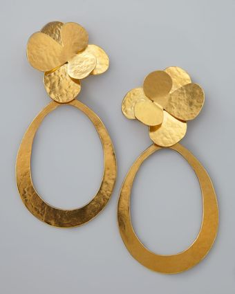 Herve Van Der Straeten Mmered Gold Petal Earrings - Lyst