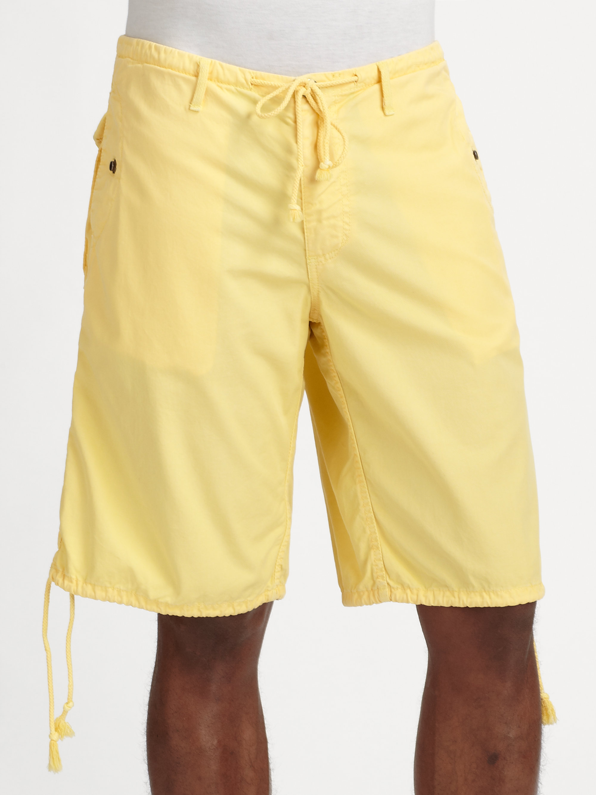 Our selection of preppy mens shorts come in different styles and patterns. Enjoy free shipping and find the perfect pair of shorts for your wardrobe.