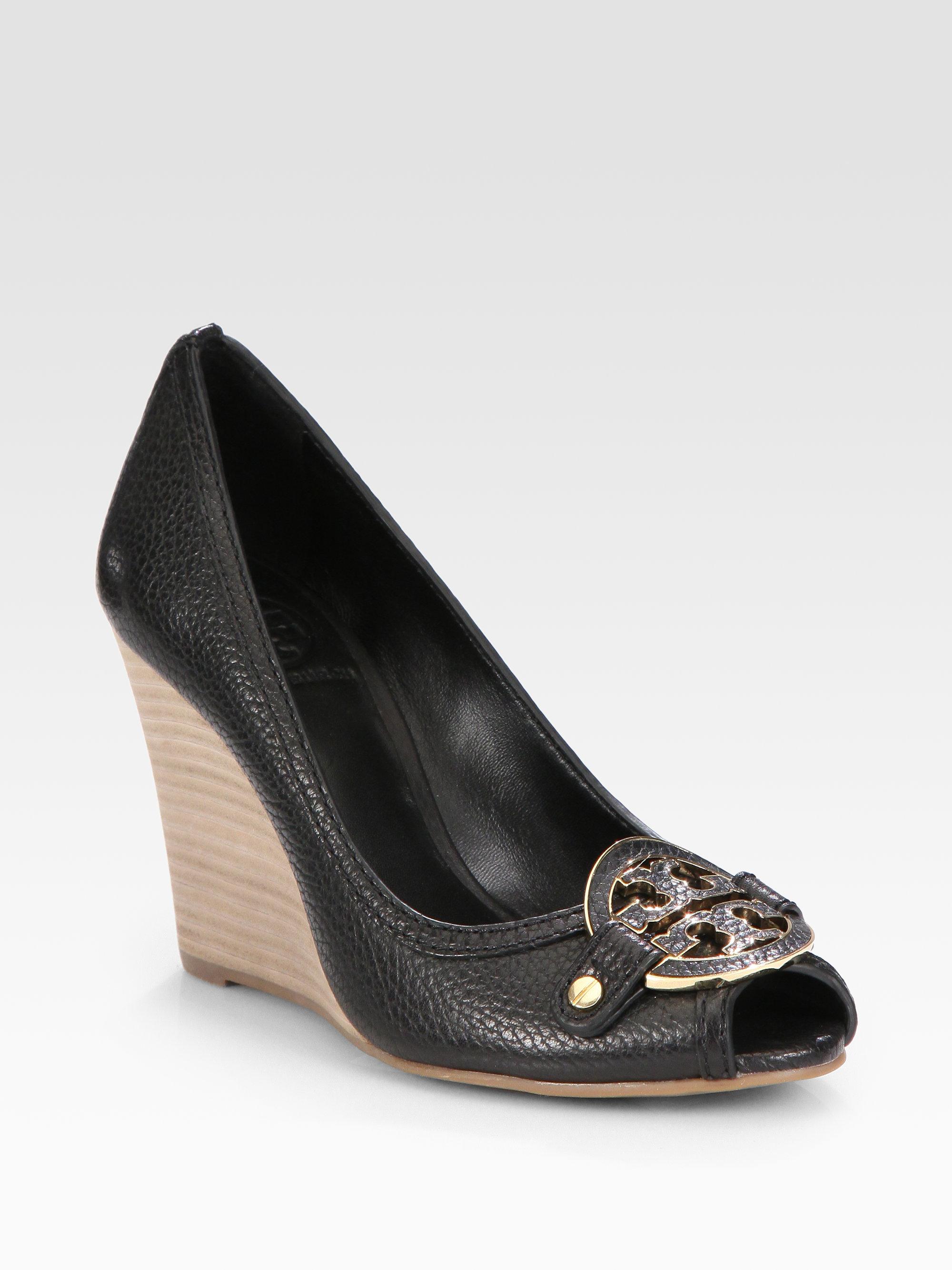 3991aface92 Lyst - Tory Burch Amanda Leather Logo Peep Toe Wedge Pumps in Black