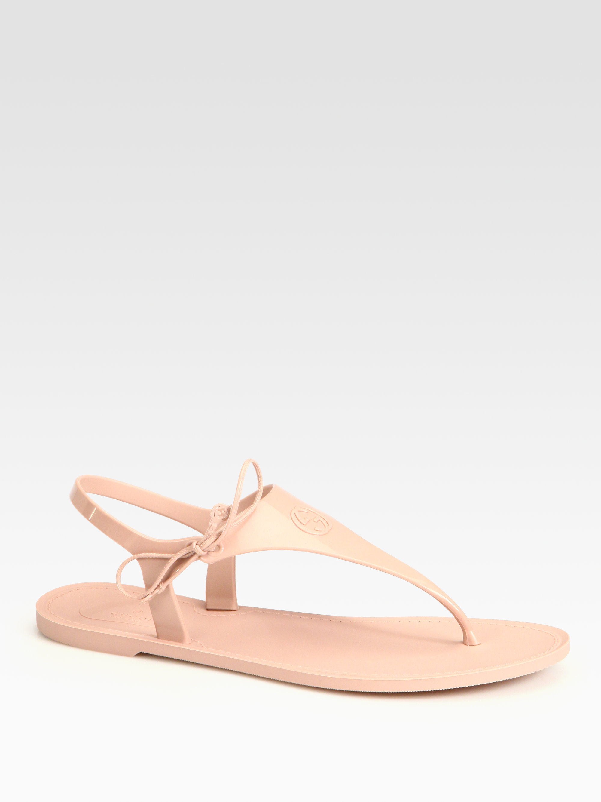 919a261ddff8 Lyst - Gucci Katina Rubber Thong Sandals in Natural