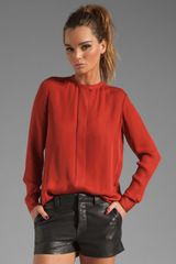 Vince Silk Pleat Back Blouse in Crimson - Lyst