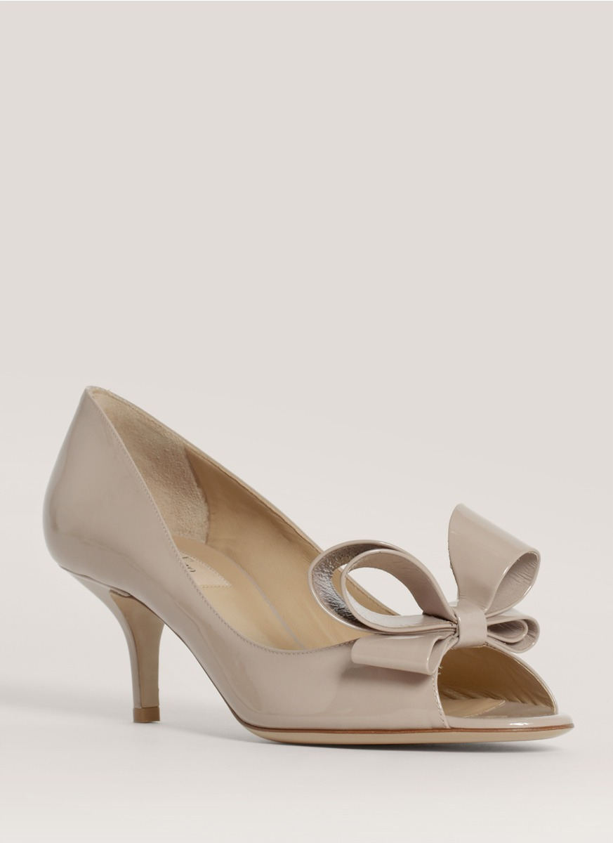 Valentino Patent Leather Bow Pumps In Natural Lyst