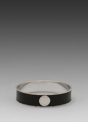 Marc By Marc Jacobs Classic Marc Enamel Disc Bangle in Black - Lyst