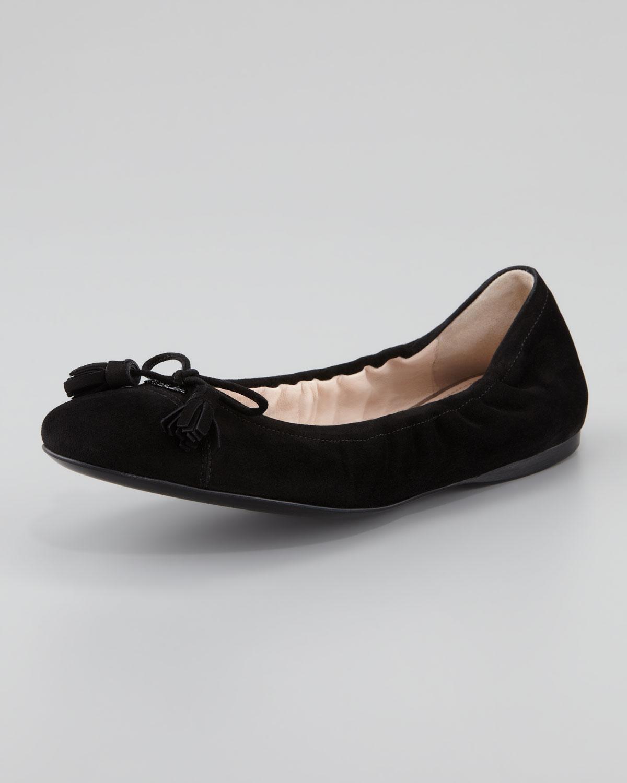 66419e258e Prada Suede Tassel Ballet Flat in Black - Lyst