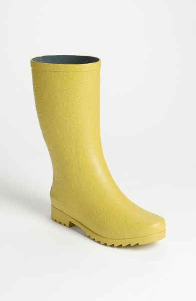 ugg wilshire logo short boot women in yellow citron lyst