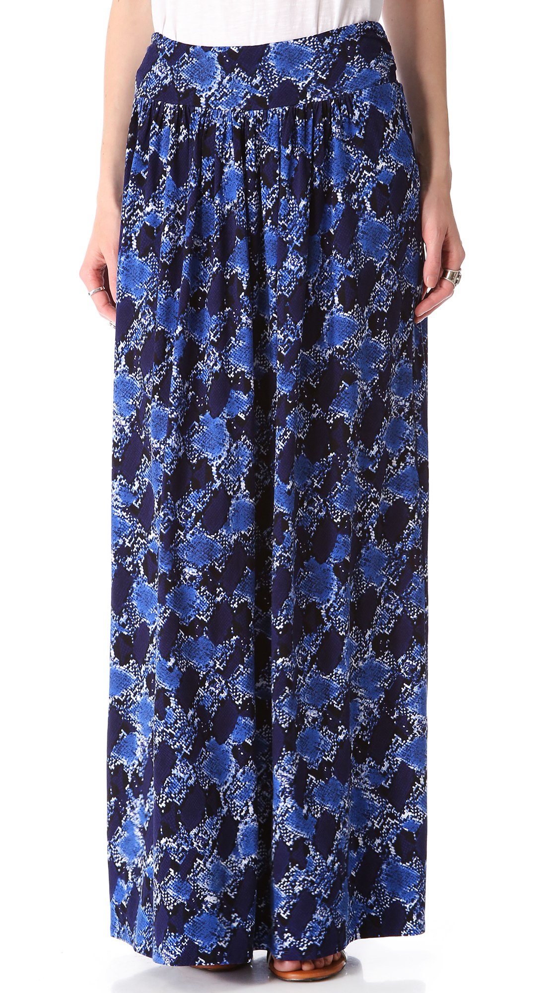 snake print maxi skirt in blue lyst
