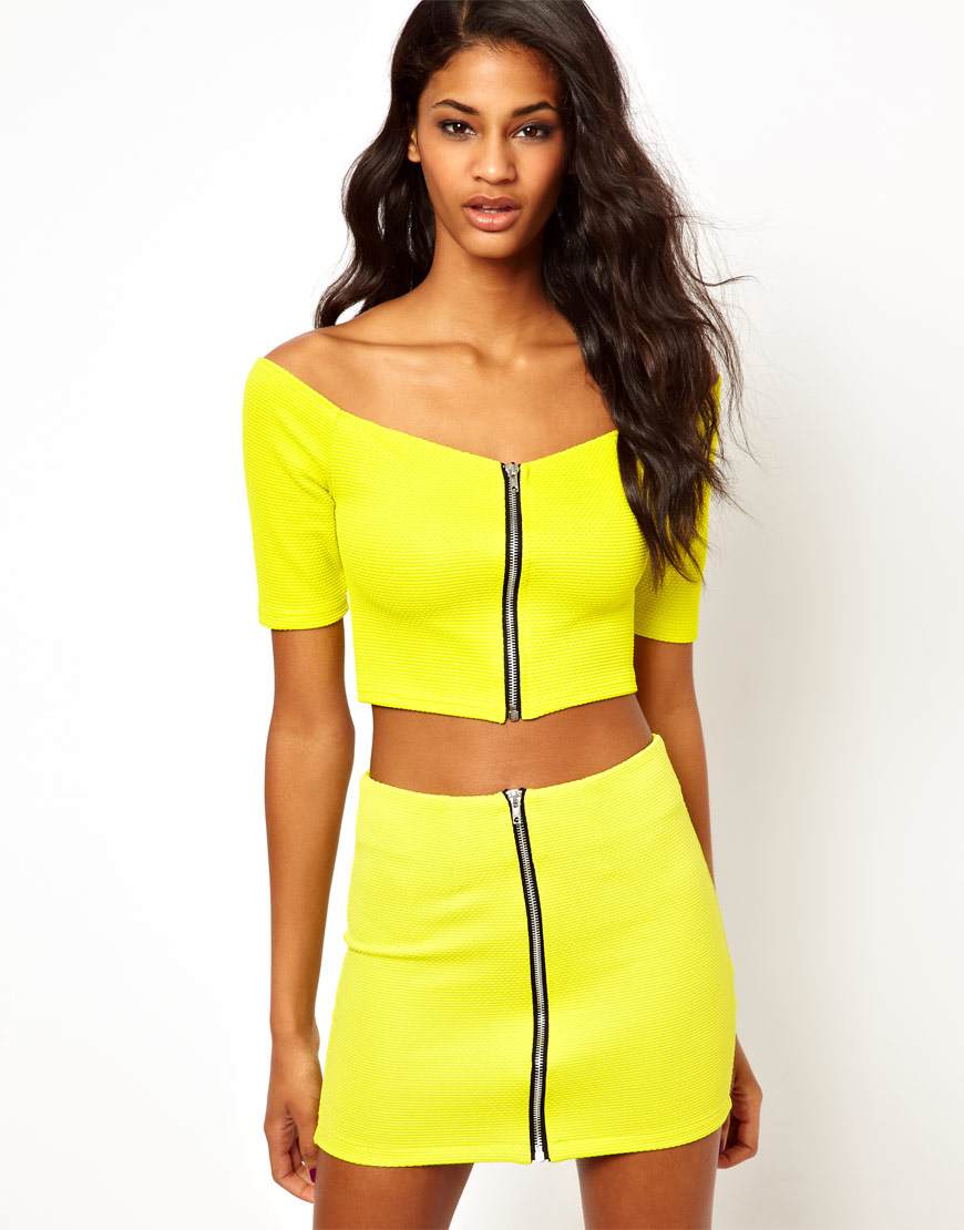 7deae50df7c Oh My Love Off Shoulder Crop Top With Zip Front in Yellow - Lyst