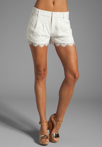 Haute Hippie Lace Short in Cream - Lyst