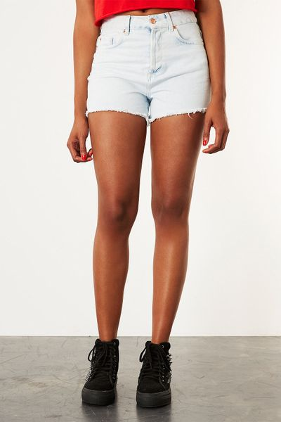 topshop white high waist hot pants in white lyst. Black Bedroom Furniture Sets. Home Design Ideas