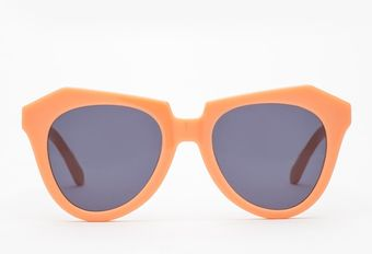 Karen Walker Number One in Peach - Lyst