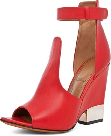 Givenchy Podium Ankle Strap Sandal in Red in Red - Lyst