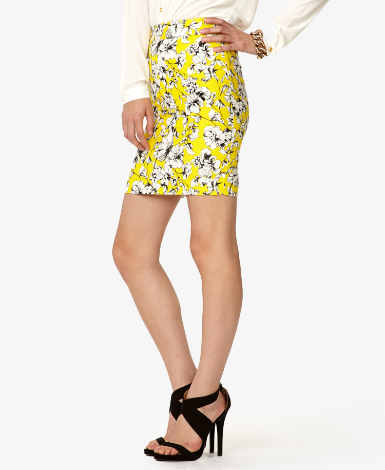 Forever 21 Essential Sketched Floral Pencil Skirt in Yellow | Lyst