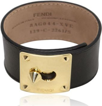 Fendi Logo Plaque Leather Bracelet - Lyst