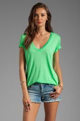 Splendid Short Sleeve Vneck in Green - Lyst
