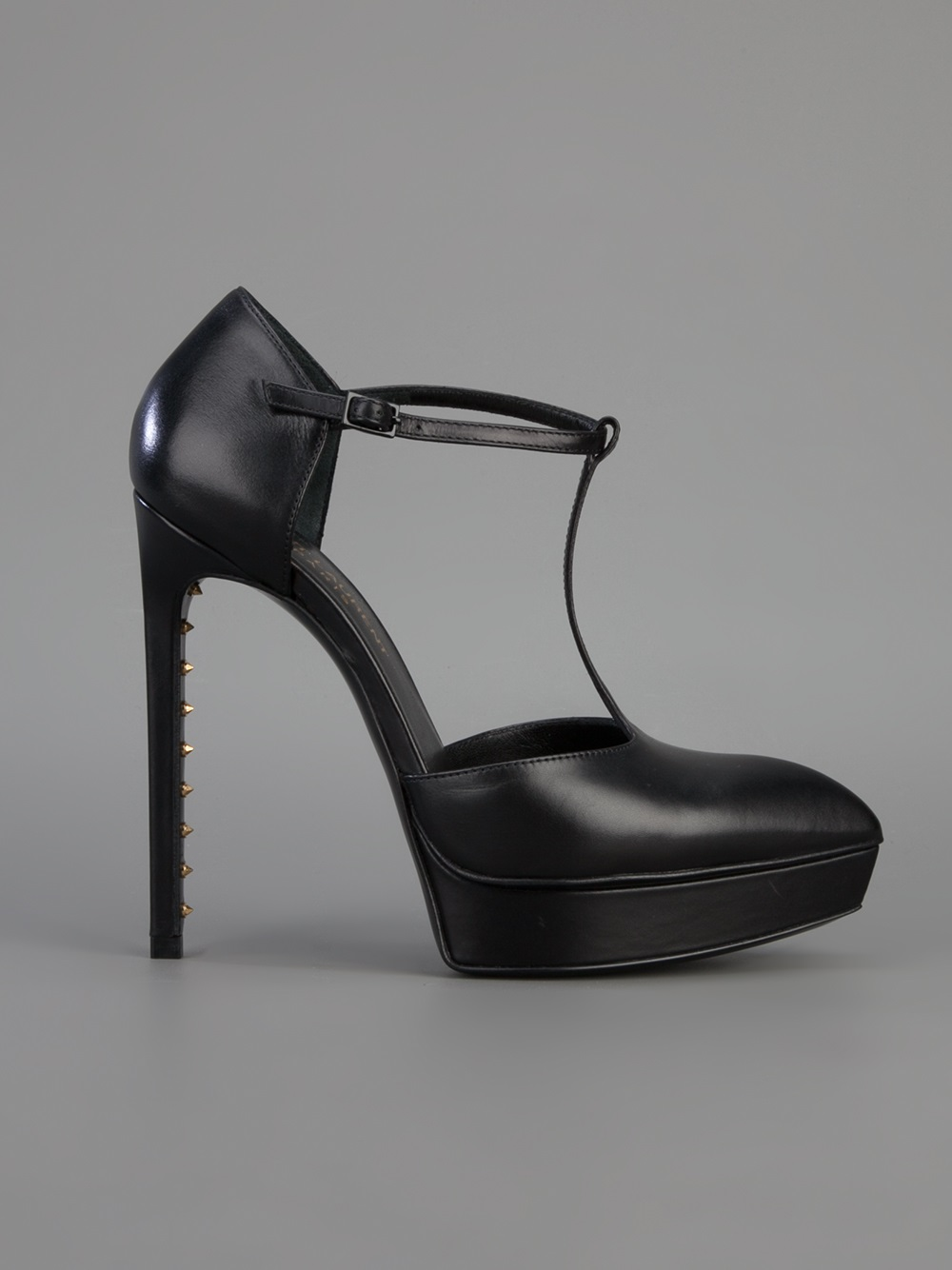 0e0c50d1c9f Gallery. Previously sold at  Farfetch · Women s Saint Laurent Janis ...